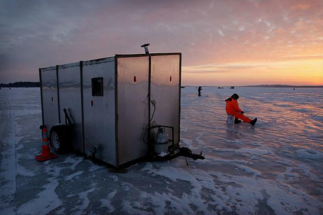 Ice fishing houses - photo#18